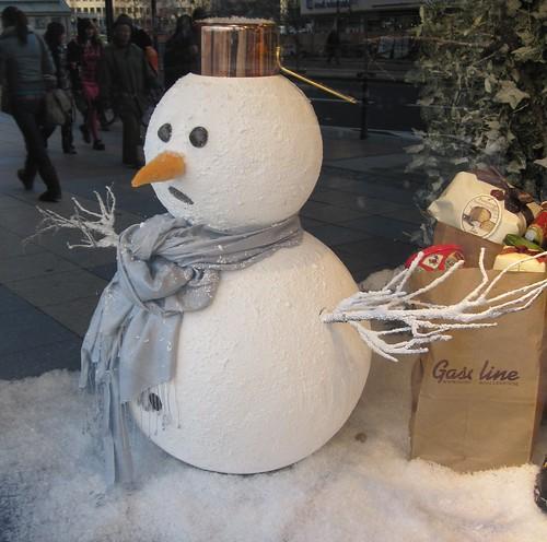lumiukko Berliinissä by Anna Amnell