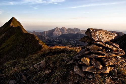 mountain nature grass rock alpes sunrise nikon hiking peak hike mount hdr cairn laclusaz aravis d60 tardevant