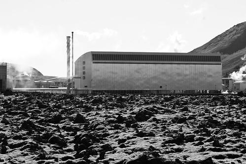 Geothermal plant, Blue Lagoon (B&W)