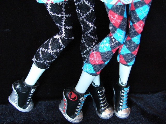 frankie's  leggings & shoes