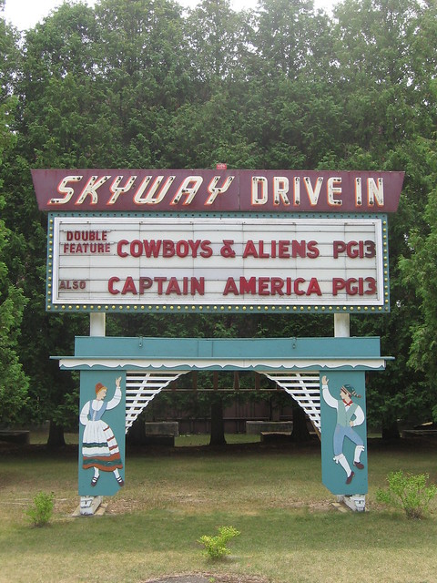 Skyway drive in fish creek wi flickr photo sharing for Drive in movie theaters still open