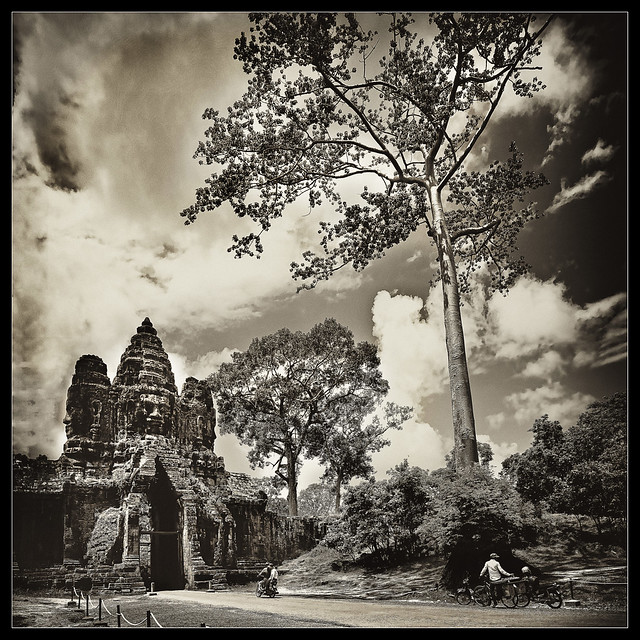 the mysterious world of the angkor..(explore, frontpage)