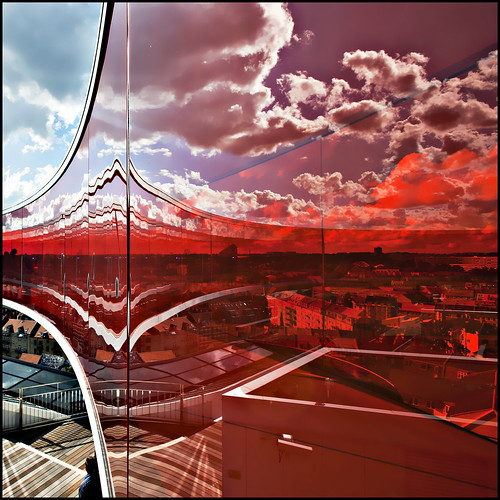 red sky panorama orange distortion color colour reflection glass museum clouds denmark rainbow view aros curve eliasson olafur arhus