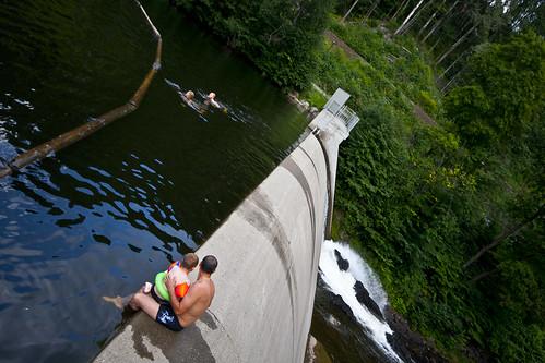 Nydalsdammen - er en oppdemmet badeplass ved Akerselva