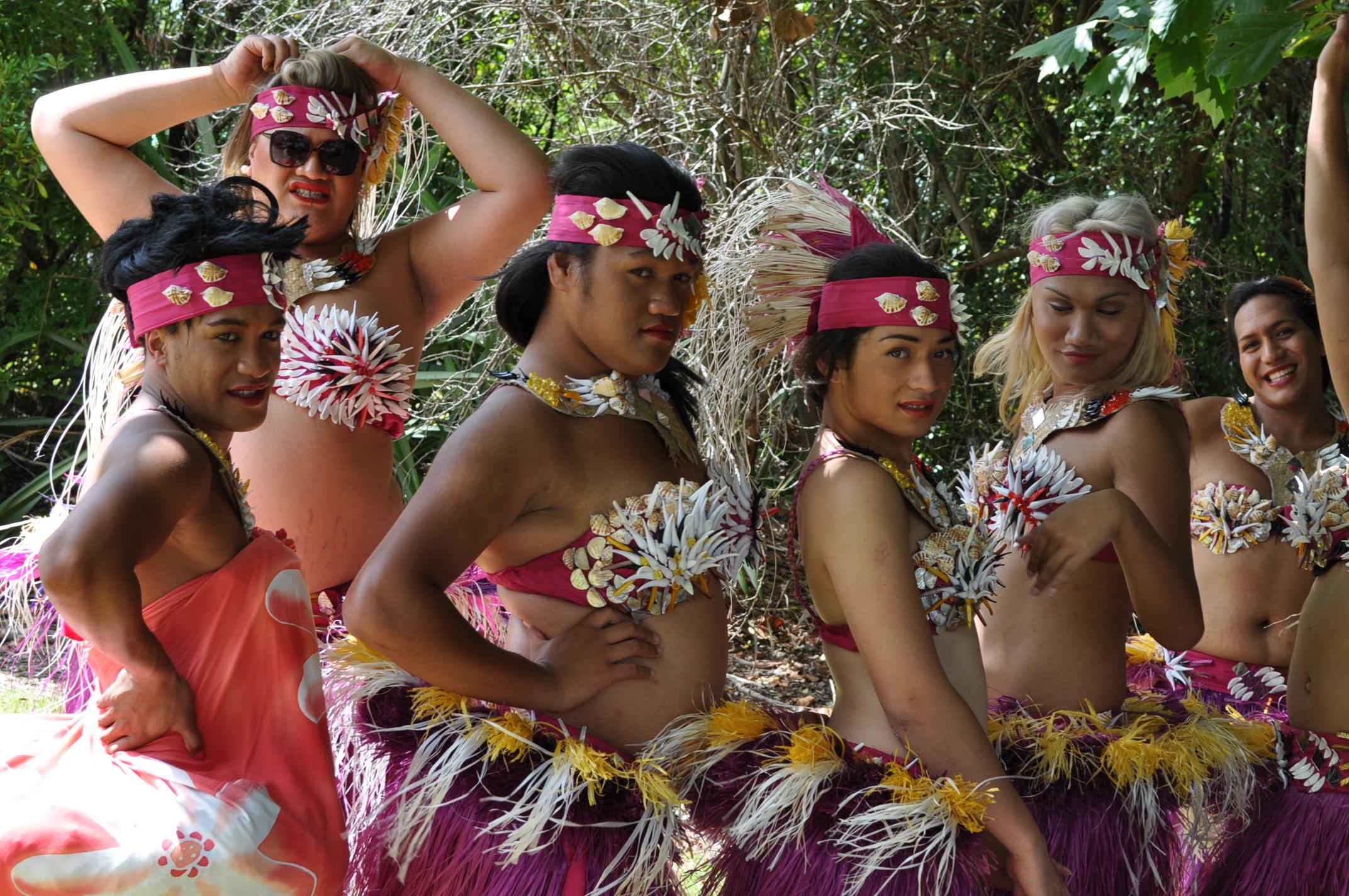 Samoan men dating white women 6