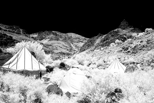 camp sky bw white black mountains nature grass weather contrast trekking canon landscape ir eos nationalpark bush reisen flickr day view im outdoor tent hike clear morocco heat infrared atlas botanic 20mm gps canoneos300d gravel wikinger 2011 hohen 1204t
