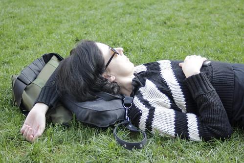 dormire dopo pranzo si o no