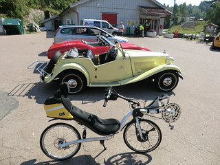 Car or bike--which to take today? [Photo: Nice Old Car by gunnsteinlye on FlickR, http://www.flickr.com/photos/gunnsteinlye/6071009266/]