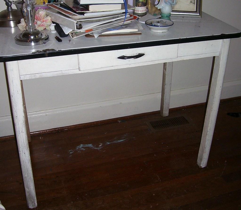 Vintage Enamel Top Kitchen Table: ENAMEL TOP KITCHEN TABLES