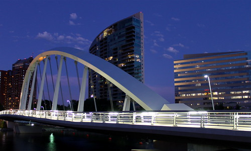 street city bridge columbus ohio urban architecture night buildings river dark concrete lights interestingness twilight downtown arch suspension steel main best curved scioto inclined miranova 2011 100pictures