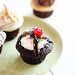hot fudge sundae cupcake!