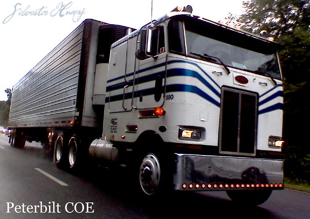 Peterbilt 372 Tractor Trailer