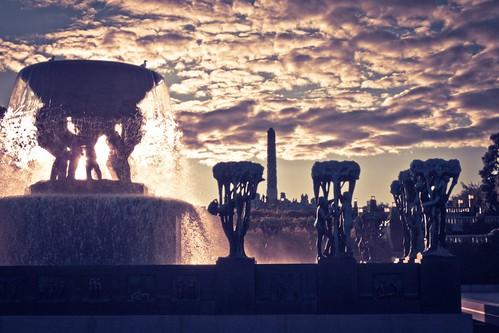 park parque sculpture oslo norway statue garden norge jardin skulptur escultura frognerparken parc 日落 solnedgang vigeland 挪威 norvège नॉर्वे