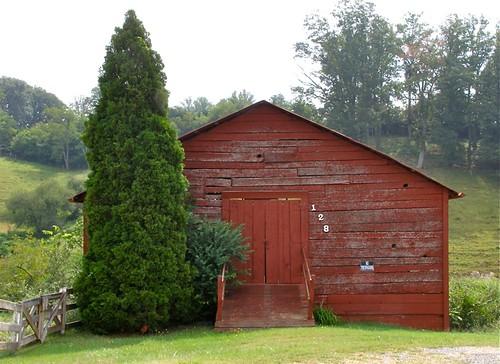 mountains tree barn fence nc ramp madison cedar notrespassing marshill 128 2011 bankbarn melystu