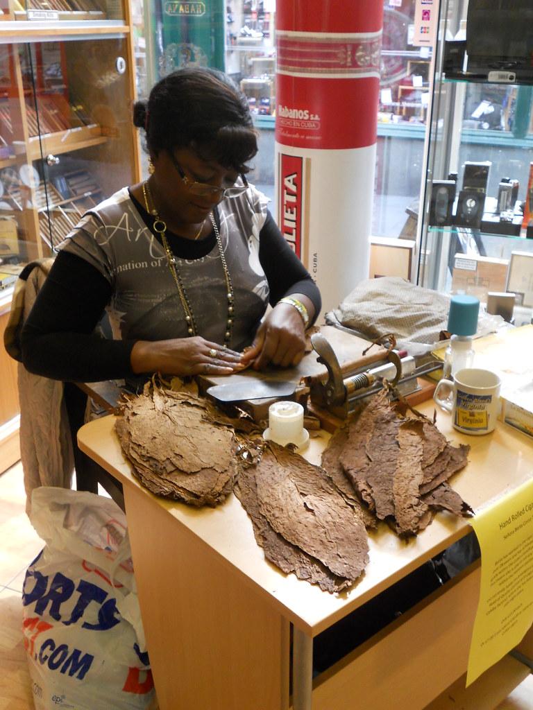 Berta-At-The-Bear-Shop-05