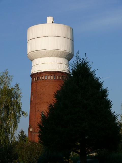 Wasserturm Altglienicke (mit Sicherungsplane)