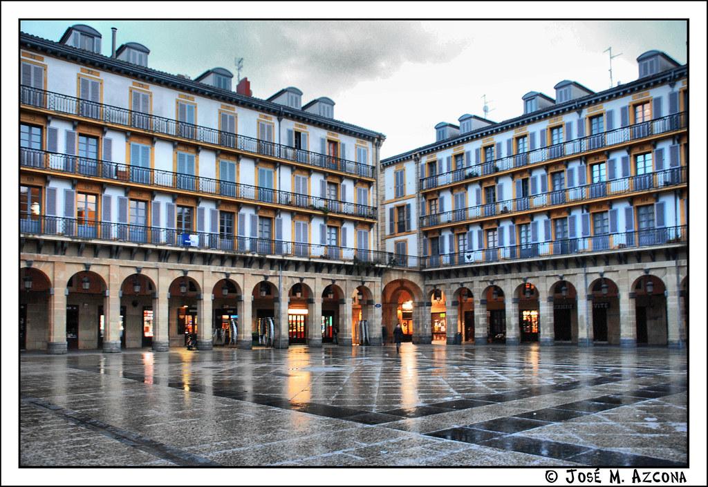 San Sebastian / Donostia. Plaza de la Constitución.  Flickr - Photo Sharing!