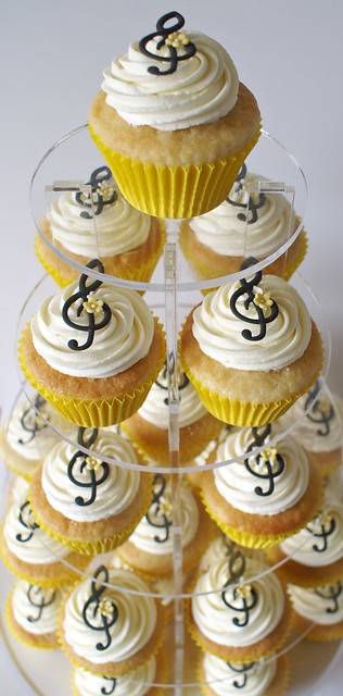 letter a cake themed cupcakes flickr photo 6209