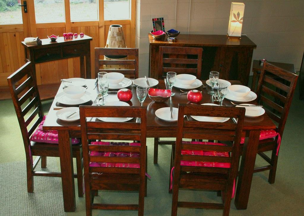Tiger Dining Set