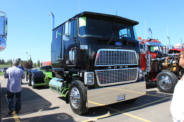 Big Rig Cabs http://www.flickr.com/photos/28798930@N05/6052005800/