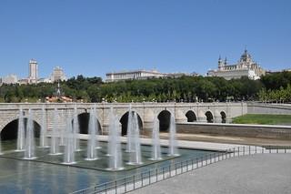 http://hojeconhecemos.blogspot.com/2011/08/madrid-rio-espanha.html