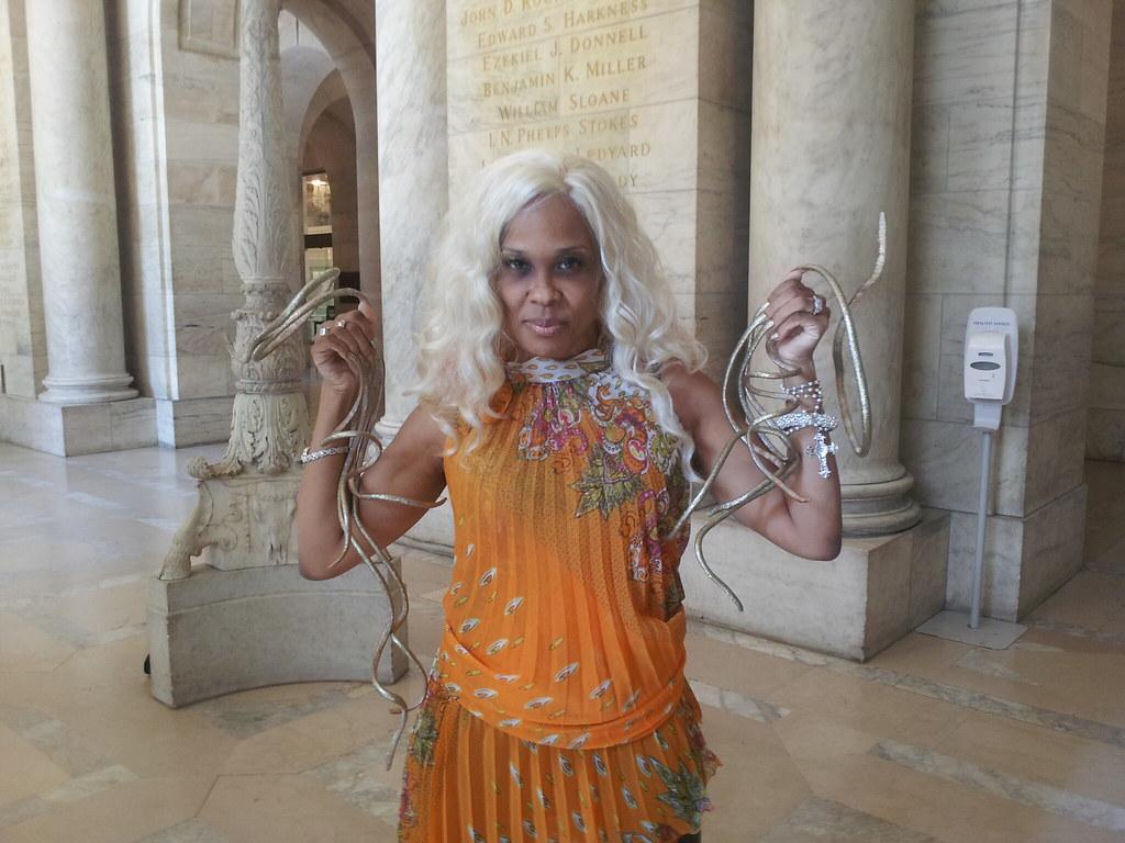 Longest fingernails on a female - Guinness World Records 2012 - a ...