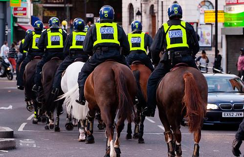 Police Horses: Hackney Riots - London Riots 8th August 2011
