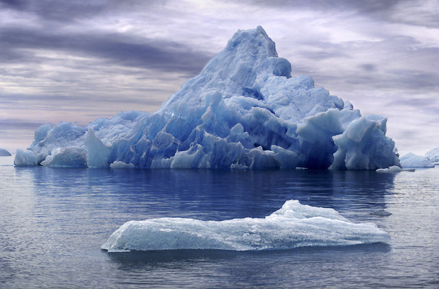 bonito iceberg al fondo from Flickr via Wylio