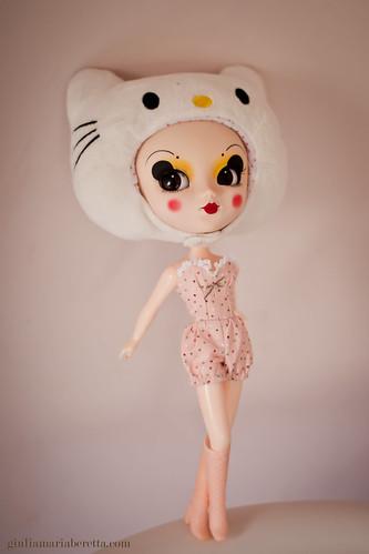 boudoir kitty by giulietta degli spiriti