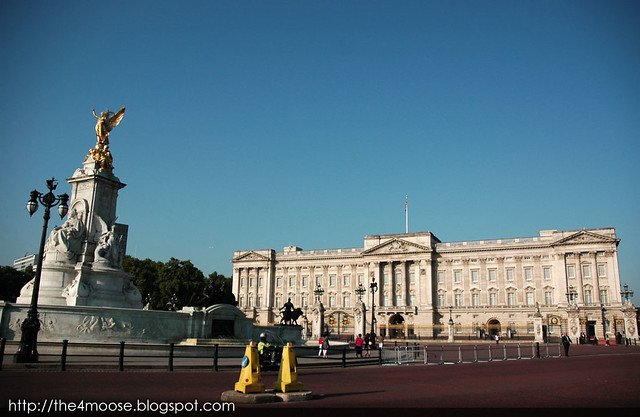 London : Buckingham Palace