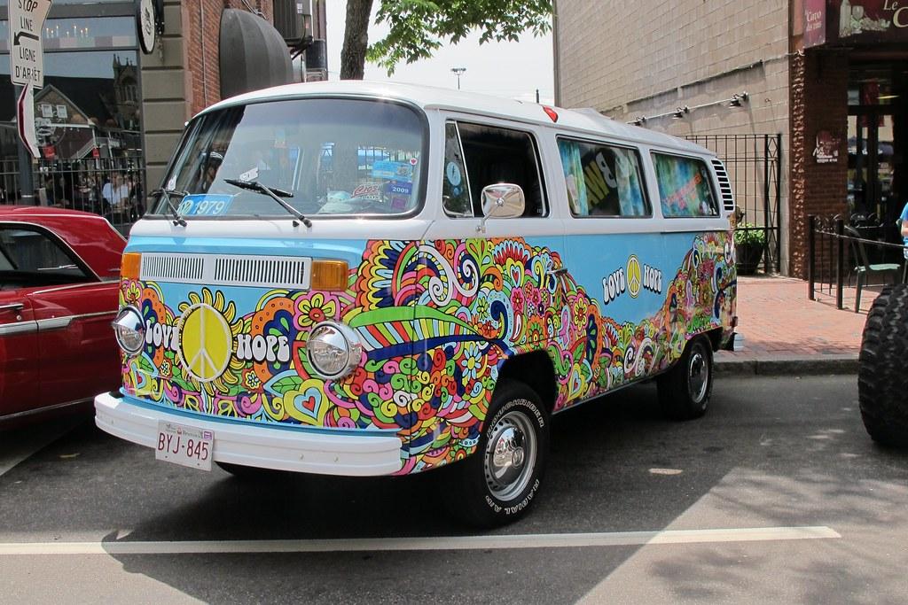 1979 Volkswagen hippie van - a photo on Flickriver