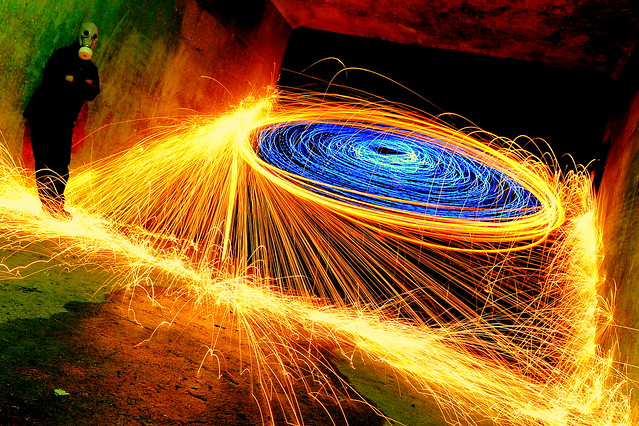 6121862263 30b6e016be z Awesome Long Exposures Using Steel Wool