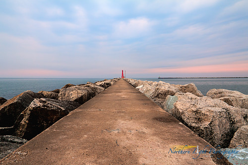 summer lighthouse sunrise harbor michigan lakemichigan greatlakes lakeshore muskegon muskegonsouthbreakwaterlight