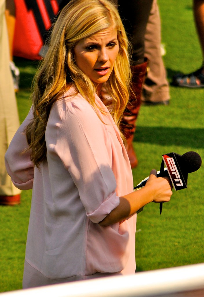 Espn Sideline Reporter Samantha Steele Now Samantha Pond Flickr