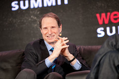Senator Ron Wyden and Alexis Ohanian hold Reddit AMA on Net Neutrality today