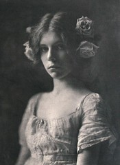 Rosa Rosarum, 1901, by Mathilde Weil