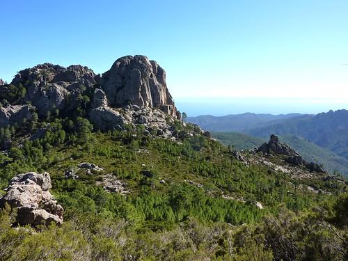 Sentier Capeddu-Sari : le col 881m et Punta Batarchjone