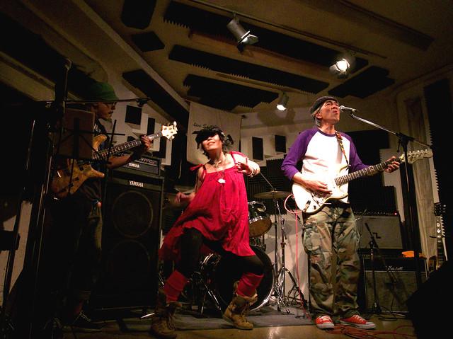 アキノギ&春日善光 live at Terra, Tokyo, 27 Oct 2011. 130