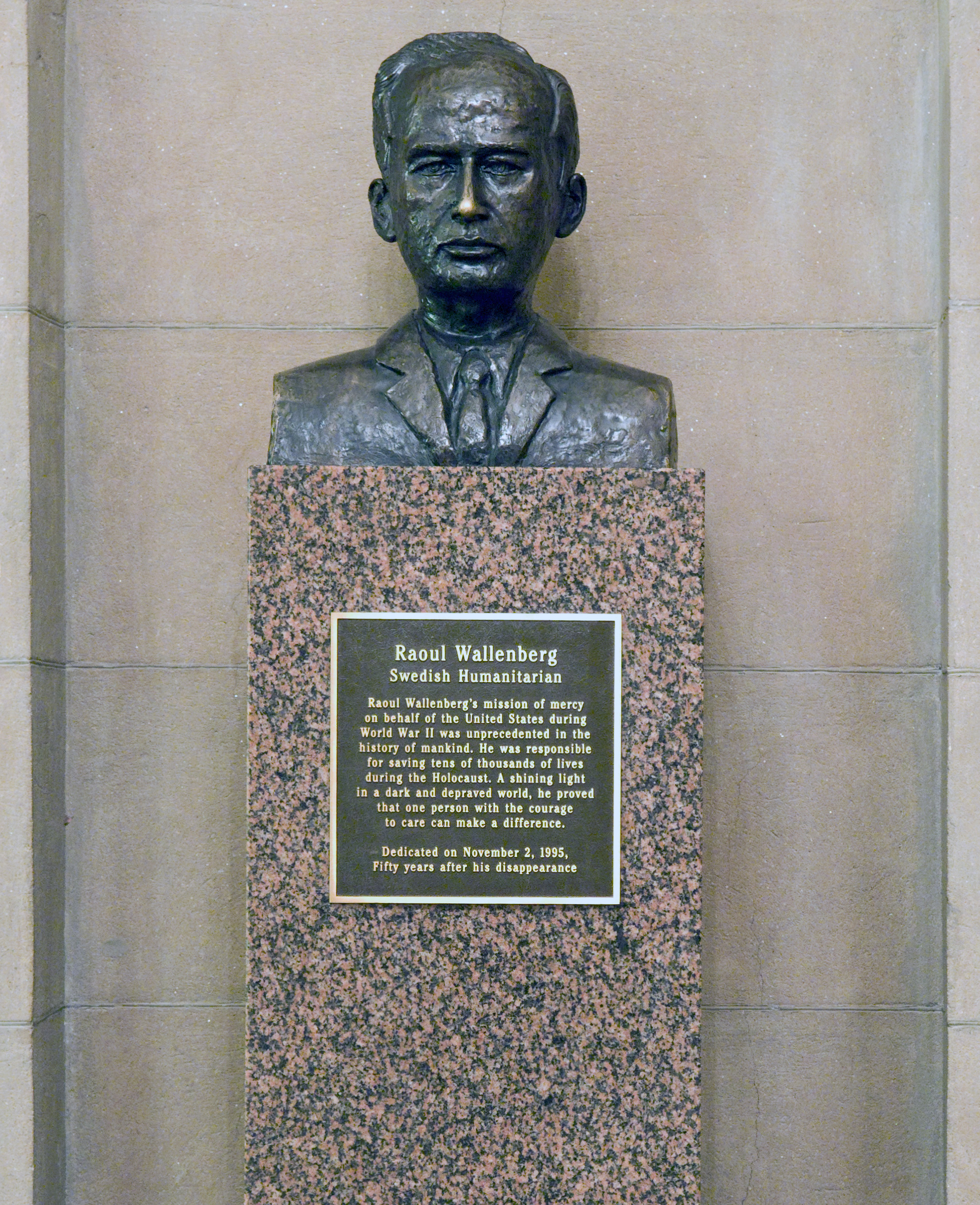 Raoul Wallenberg Bust Architect Of The Capitol