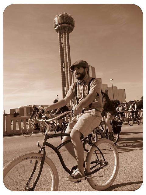 Dallas Tweed Ride 2011 Bridge 5