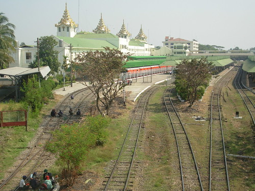 Mandalay-Train (2)