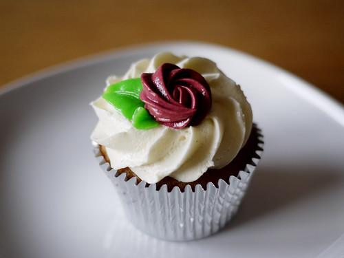 11-21 vanilla cupcake
