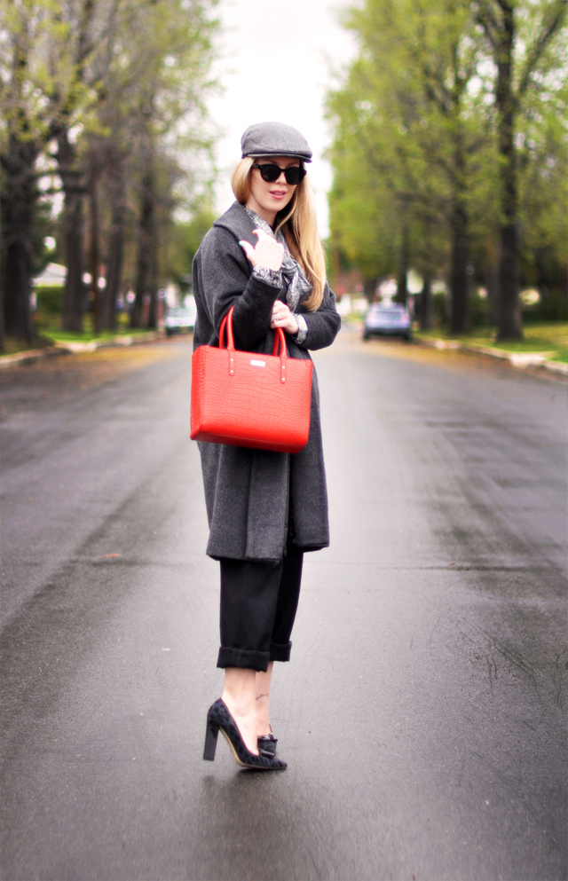 gray and black and red - tote bag- newsboy cap