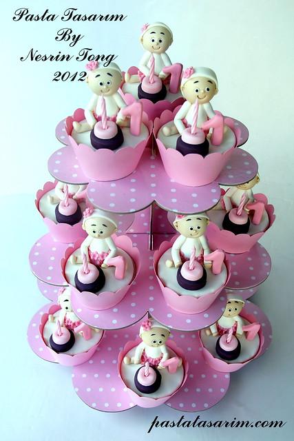1ST  BIRTHDAY CUPCAKES - BIRTHDAY CEYLIN