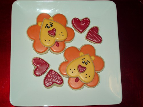 """Hearts & Flowers"" Lion Cookies"