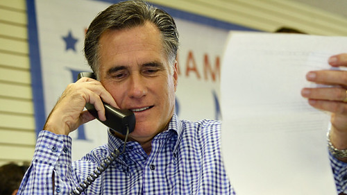 Mitt Romney Visits New Hampshire Headquarters