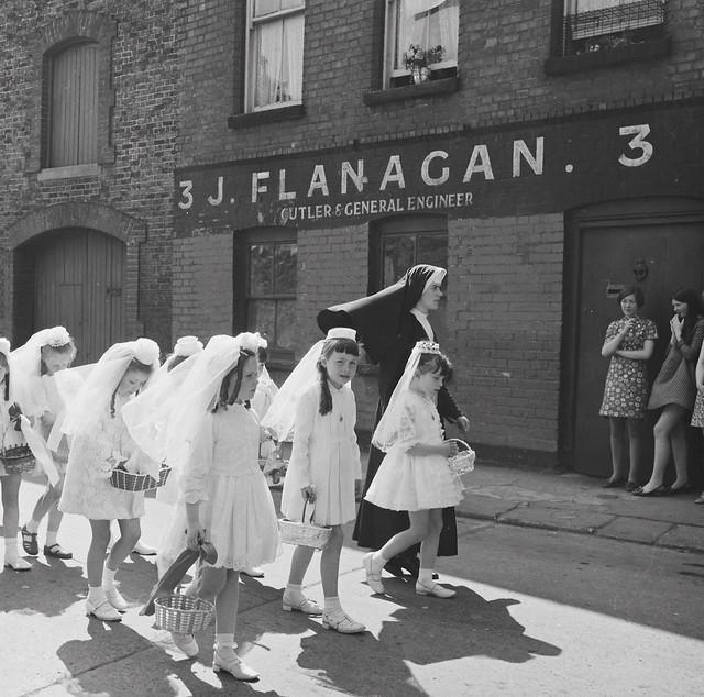 Flower Girl Baskets Dublin : B cbc a z g