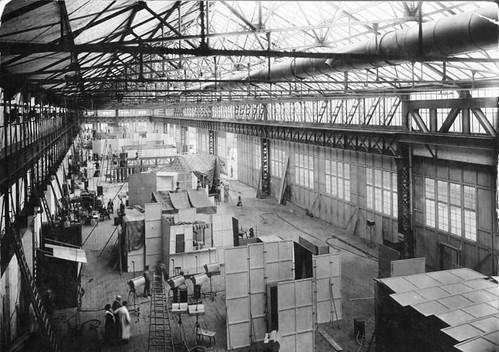 Bundesarchiv_Bild_183-H25797__Berlin__Jofa-Film-Atelier_in_Johannisthal_1