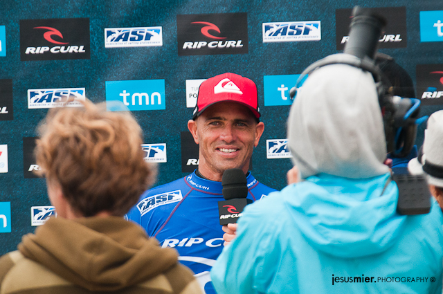 Kelly Slater  - Rip Curl Pro 2011 Last Day 4