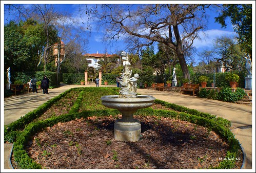 Jardines by Miguel Allué Aguilar